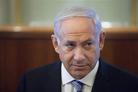 Israel's Prime Minister Benjamin Netanyahu attends the weekly cabinet meeting in Jerusalem July 1, 2012. REUTERS/Abir Sultan/Pool