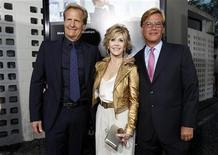 "Creator and executive producer Aaron Sorkin (R) poses with cast members Jane Fonda and Jeff Daniels at the premiere of the HBO television series ""The Newsroom"" at the Cinerama Dome in Los Angeles, California June 20, 2012. REUTERS/Mario Anzuoni"