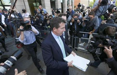 Barclays bank former Chief Executive Bob Diamond leaves after giving evidence to the Treasury select committee in Westminster, London July 4, 2012. REUTERS/Olivia Harris