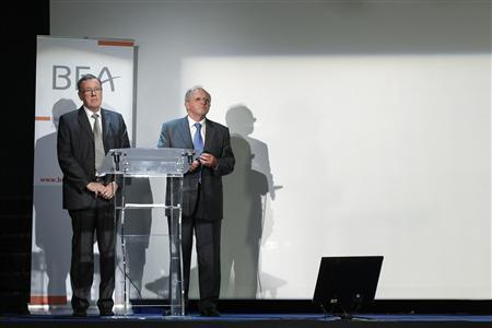 Jean-Paul Troadec (R), head of the Investigation and Analysis Bureau (BEA), and Alain Bouillard, investigator-in-charge of the BEA, attend a news conference to present the BEA final report in the Air France Rio-Paris crash at the BEA headquarters in Le Bourget, northern Paris, July 5, 2012. REUTERS/Benoit Tessier
