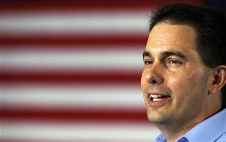 Wisconsin Governor Scott Walker addresses a crowd at Monterey Mills in Janesville, Wisconsin, June 18, 2012. REUTERS/Larry Downing