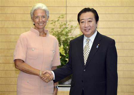 REFILE - CORRECTING TYPO IN NAME International Monetary Fund (IMF) Managing Director Christine Lagarde (L) shakes hands with Japan's Prime Minister Yoshihiko Noda during their talks at Noda's official residence in Tokyo July 6, 2012. REUTERS/Toru Yamanaka/Pool