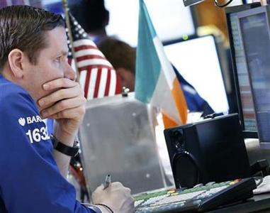 Traders work on the floor of the New York Stock Exchange, July 6, 2012. REUTERS/Brendan McDermid