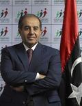 Махмуд Джибриль перед пресс-конференцией в Триполи, 8 июля 2012 года. Альянс партий во главе с Махмудом Джибрилем, главой мятежного правительства в период противостояния с Муаммаром Каддафи, одерживает победу на выборах в народное собрание Ливии после частичного подсчета бюллетеней. REUTERS/Zohra Bensemra