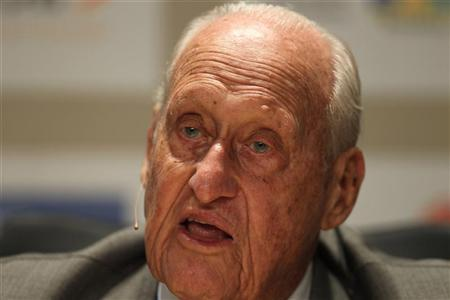Former FIFA President Joao Havelange attends the Soccerex global convention at Copacabana beach in Rio de Janeiro, November 22, 2010. REUTERS/Bruno Domingos