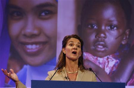 Melinda Gates, wife of Microsoft Corp co-founder Bill Gates, speaks at the London Summit on Family Planning in central London July 11, 2012. REUTERS/Suzanne Plunkett