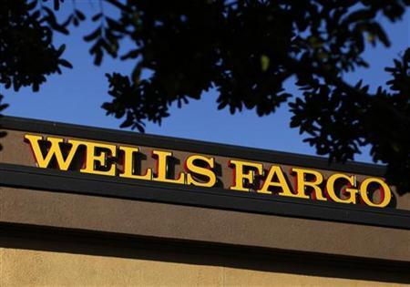 A Wells Fargo bank is seen in Del Mar, California January 17, 2012. REUTERS/Mike Blake