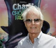 "Producer Richard D. Zanuck of ""Charlie and the Chocolate Factory"" poses at the film's premiere in Hollywood in this July 10, 2005 file photo. REUTERS/Fred Prouser/Files"