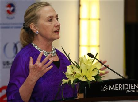 U.S. Secretary of State Hillary Clinton speaks during the U.S.-ASEAN Business Forum's dinner in Siem Reap province July 13, 2012. REUTERS/Khem Sovannara