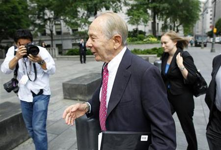 Former chief executive officer of the American Insurance Group (AIG) Maurice ''Hank'' Greenberg arrives at federal court in New York June 16, 2009. REUTERS/Chip East