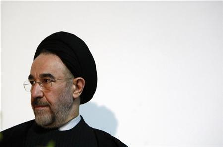 Former Iranian President Mohammad Khatami waits to make a keynote speech to an audience at a university in Melbourne March 26, 2009. REUTERS/Mick Tsikas