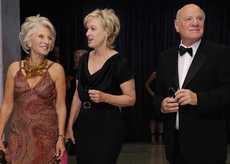 Former representative Jane Harman, Newsweek Editor-in-Chief Tina Brown and IAC Chairman Barry Diller arrive for the annual White House Correspondents' Association dinner in Washington April 30, 2011. REUTERS/Jonathan Ernst
