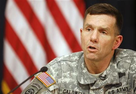 William Caldwell speaks at a news conference in Baghdad May 23, 2007. REUTERS/Ahmad Al-Rubaye/Pool