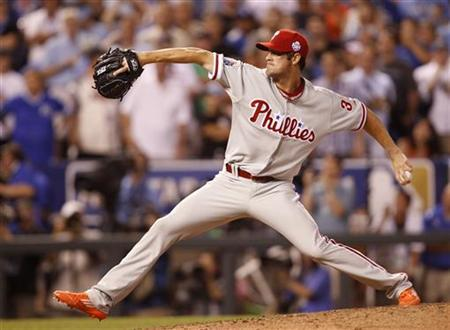 National League All-Star Cole Hamels of the Philadelphia Phillies pitches to the American League All-Star team during the seventh inning in Major League Baseball's All-Star Game in Kansas City, Missouri July 10, 2012. REUTERS/Jeff Haynes