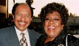 "Sherman Hemsley (L) and Isabel Sanford, the stars of the popular television series ""The Jeffersons"" pose as they arrive for the premiere screening of the new television special ""50 Years of Television"" in Los Angeles in this April 16, 1997 file photo. REUTERS/Fred Prouser/Files"