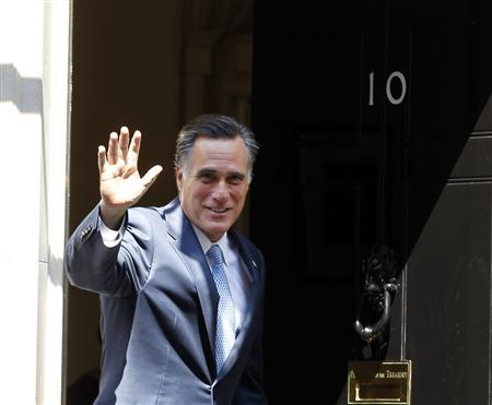 U.S. Republican presidential candidate Mitt Romney arrives at 10 Downing Street to meet with British Prime Minister David Cameron in London, July 26, 2012. REUTERS/Jason Reed