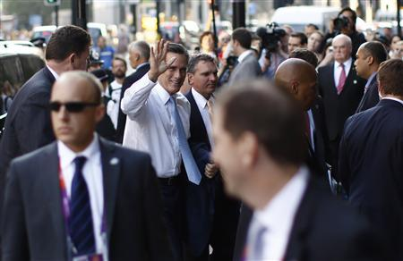U.S. Republican Presidential candidate Mitt Romney arrives for a fundraising event in London, July 26, 2012. REUTERS/Jason Reed