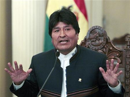 Bolivia's President Evo Morales speaks during a news conference at the presidential palace in La Paz, July 2, 2012. REUTERS/David Mercado