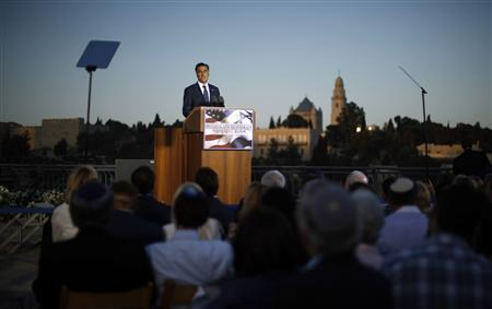 U.S. Republican Presidential candidate Mitt Romney delivers foreign policy remarks at Mishkenot Sha'anamim in front of the Old City of Jerusalem, July 29, 2012. REUTERS/Jason Reed