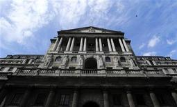 The Bank of England is seen against a blue sky, London June 15, 2012. REUTERS/Paul Hackett