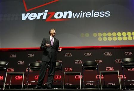 Dan Mead, President & CEO of Verizon Wireless addresses attendees during the International CTIA WIRELESS Conference & Exposition in New Orleans, Louisiana May 8, 2012. REUTERS/Sean Gardner