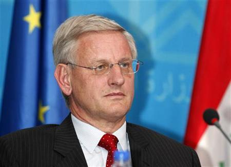 Sweden's Foreign Minister Carl Bildt speaks during a joint news conference with Iraq's Foreign Minister Hoshiyar Zebari, Bulgaria's Foreign Minister Nickolay Mladenov and Poland's Foreign Minister Radoslaw Sikorski in the headquarters of the foreign ministry in Baghdad June 23, 2012. REUTERS/Karim Kadim/Pool