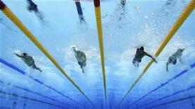 Da esquerda para a direita: o norte-americano Anthony Ervin, o brasileiro Cesar Cielo, o norte-americano Cullen Jones e o brasileiro Bruno Fratus competem na final dos 50m livres durante os Jogos Olímpicos de 2012 em Londres, no Reino Unido. 3/08/2012 REUTERS/Michael Dalder