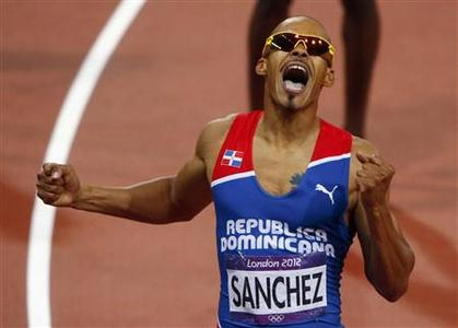 Dominican Republic's Felix Sanchez reacts after he won the men's 400m hurdles final at the London 2012 Olympic Games at the Olympic Stadium August 6, 2012. REUTERS/David Gray