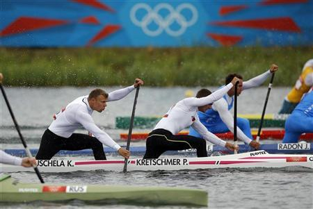Germany's Peter Kretschmer (R) and Kurt Kuschela competes in the men's canoe double (C2) 1000m heat at the Eton Dorney during the London 2012 Olympic Games August 7, 2012. REUTERS/Darren Whiteside