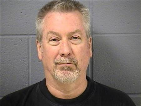 Former police sergeant Drew Peterson is pictured in this booking photo, released by the Will County Sheriff's Office on May 8, 2009. REUTERS/Will County Sheriff's Office/Handout