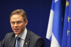 <p>Dans un entretien au magazine financier Talouselama, le Premier ministre finlandais Jyrki Katainen propose la mise en place d'un fonds financé par le secteur bancaire pour recapitaliser les banques européennes en difficultés, dans le cadre du projet d'union bancaire de l'Union européenne. /Photo prise le 29 juin 2012/REUTERS/Laurent Dubrule</p>