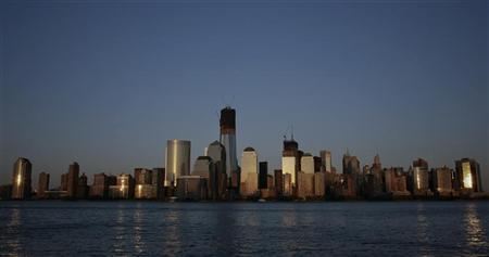 The One World Trade Center and Manhattan skyline is seen from New Jersey April 29, 2012. REUTERS/Eduardo Munoz
