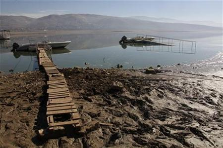 A general view shows an artificial lake with depleted levels of water in Qaraoun, West Bekaa, December 2, 2010. REUTERS/ Mohamed Azakir