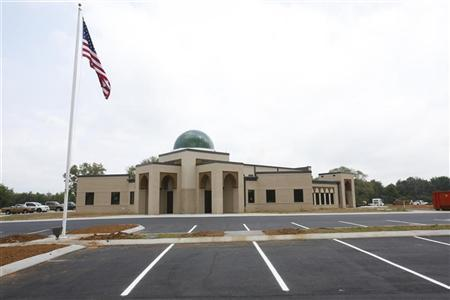 A general view shows the U.S. flag in front of the newly opened Islamic Center of Murfreesboro in Murfreesboro, Tennessee August 10, 2012. REUTERS/Harrison McClary