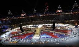 Vista geral da cerimônia de encerramento dos Jogos no Estádio Olímpico de Londres, com a participação de atletas do mundo inteiro. 12/8/2012. REUTERS/Pawel Kopczynski
