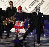 Grupo Pet Shop Boys se apresenta durante a cerimônia de encerramento dos Jogos Olímpicos de Londres. 12/8/2012. REUTERS/Sergio Moraes