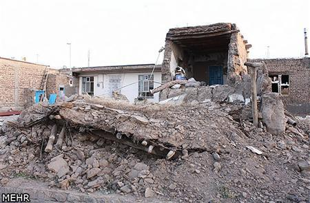 Damaged houses are seen in this undated handout photo taken in an undisclosed location in northwest Iran. Two powerful earthquakes killed 250 people and injured around 1,800 in northwest Iran, where rescue workers frantically combed the rubble of dozens of villages throughout the night and into Sunday as medical staff desperately tried to save lives. REUTERS-Hamed Nazari-Mehr News Agency