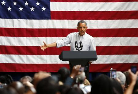 U.S. President Barack Obama speaks at a campaign fundraising event at the Bridgeport Art Center in Chicago, August 12, 2012. REUTERS/Larry Downing