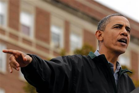 U.S. President Barack Obama speaks at a campaign event at Bayliss Park in Council Bluffs, Iowa, August 13, 2012. REUTERS/Larry Downing