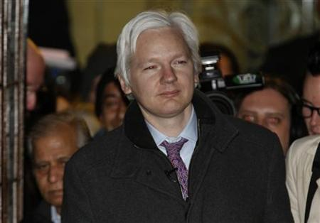 WikiLeaks founder Julian Assange leaves the Supreme Court at the end of the second day of his extradition appeal, in London February 2, 2012. REUTERS/Andrew Winning