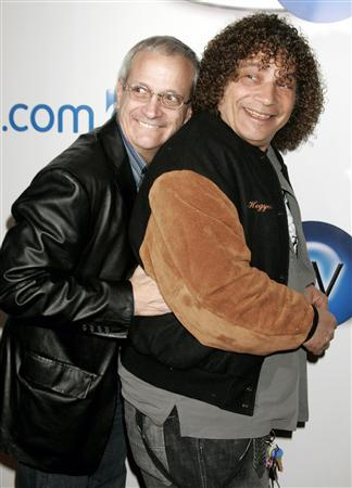 Actors Ron Palillo (L) and Robert Hegyes, best known for their portrayals of Arnold Horshack and Juan Epstein in the 1970s TV comedy series ''Welcome Back, Kotter'', pose at the launch party for In2TV in Beverly Hills, California in this March 15, 2006 file photograph. REUTERS/Fred Prouser/Files