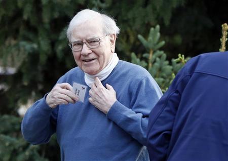 Berkshire Hathaway CEO Warren Buffett attends the Allen & Co Media Conference in Sun Valley, Idaho July 12, 2012. REUTERS/Jim Urquhart