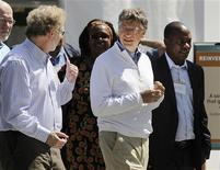 "Bill Gates (R) and former Microsoft chief technology officer and co-founder of Intellectual Ventures Nathan Myhrvold (L) speak while reviewing the displays at the ""Reinvent the Toilet Fair"" competition at the Bill and Melinda Gates Foundation campus in Seattle, Washington on August 14, 2012. REUTERS/Anthony Bolante"