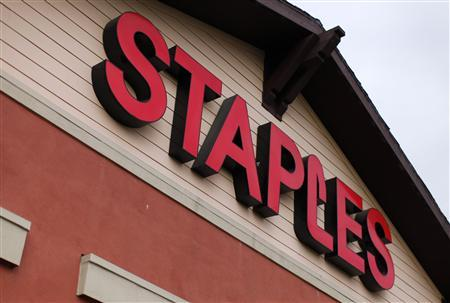 A Staples store is shown in Encinitas, California in this February 28, 2012 file photo. Staples Inc., reported lower-than-expected quarterly results on weak demand in North America, Europe and Australia, prompting the largest U.S. Office supply chain to cut its profit and sales forecasts for the year. REUTERS/ Mike Blake/Files