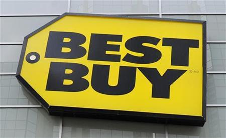 Best Buy logo is seen at a Best Buy store in Toronto in this April 19, 2011 file photo. REUTERS/Mark Blinch/Files