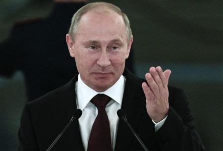 Russian President Vladimir Putin speaks at an awards ceremony for Russia's Olympians in Moscow's Kremlin August 15, 2012. REUTERS/Maxim Shemetov