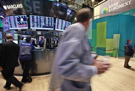 Traders work on the floor of the New York Stock Exchange, August 20, 2012. REUTERS/Brendan McDermid