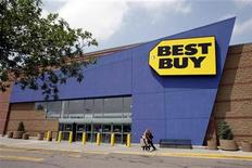A Best Buy store in Westminster, Colorado June 27, 2007. REUTERS/Rick Wilking