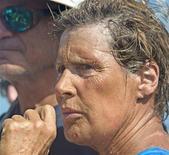 <p>Diana Nyad, l'ancienne nageuse professionnelle américaine de 63 ans qui s'était fixé pour objectif de relier Cuba à la Floride à la nage a renoncé mardi pour la quatrième fois à son pari, arrêtant de nager après avoir passé cinquante heures dans l'eau à lutter contre une mer agitée et contre les méduses. /Photo prise le 21 août 2012/REUTERS/Andy Newman/Florida Keys News Bureau</p>