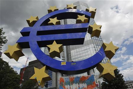 A general view of a structure of the Euro currency sign is seen in front of the European Central Bank (ECB) headquarters in Frankfurt August 2, 2012. REUTERS/Alex Domanski